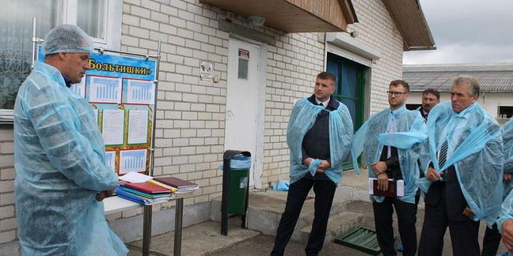 В КСУП «Больтишки» Вороновского района работники покупают легковые машины в салонах